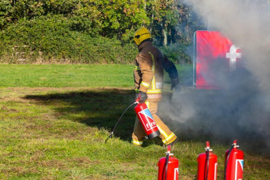 Ny typ av brandsläckmedel släcker alla typer av bränder